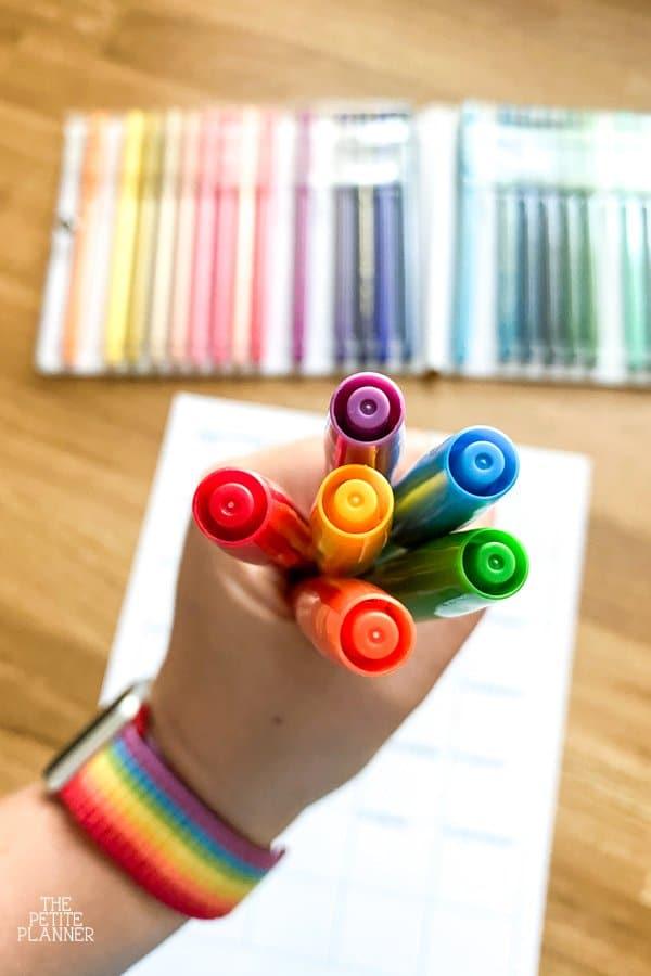 Lids of Pentel Color Pens in rainbow colors